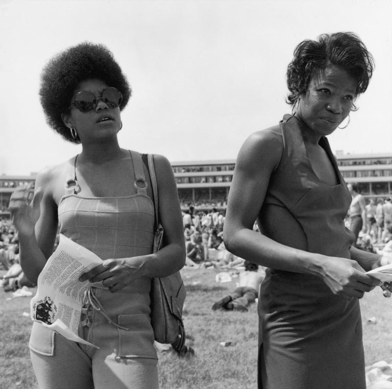 1972 frame 7 women