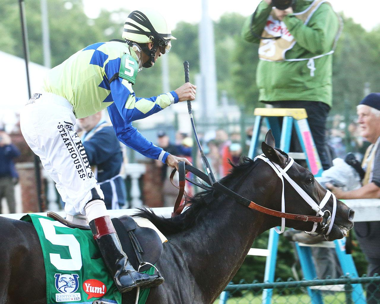 ALWAYS-DREAMING----The-Kentucky-Derby-Gr-1---143rd-Running---05-06-17---R12---CD---Gallop-Out-1