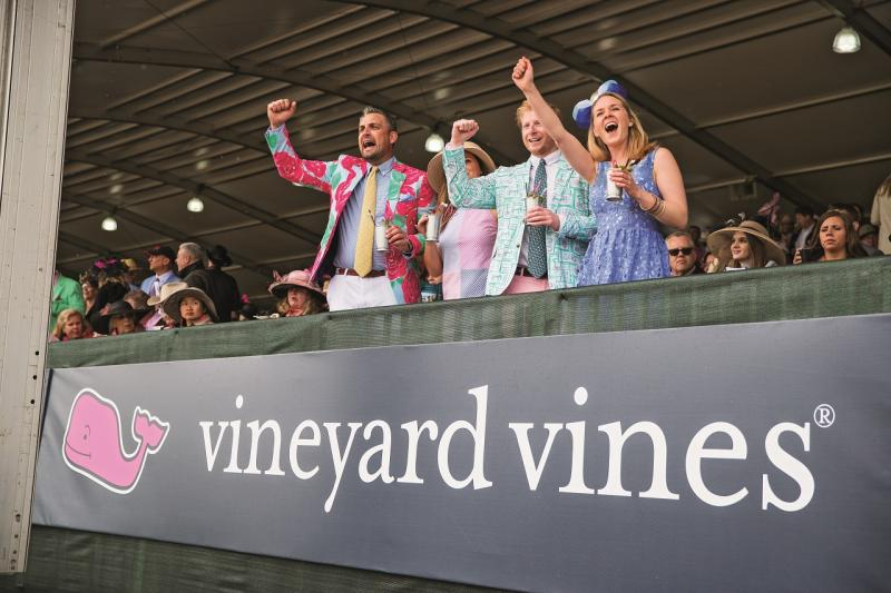 vineyard_vines_group_stands_cheering