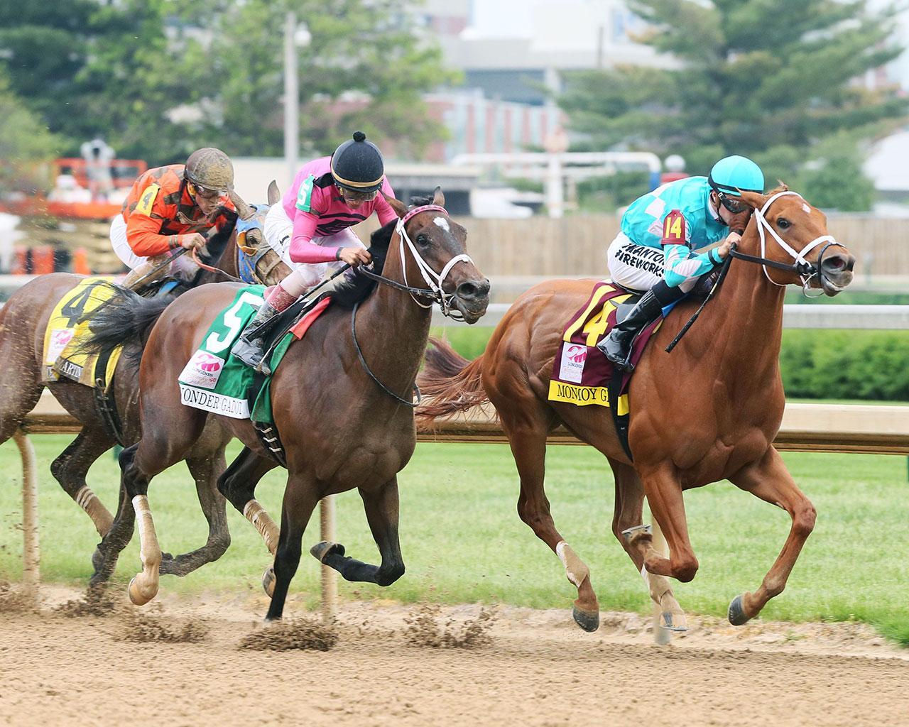 MONOMOY-GIRL---Longines-Kentucky-Oaks---G1---144th-Running---05-04-18---R11---CD---Turn-02