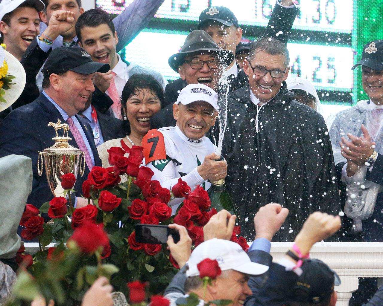 JUSTIFY---The-Kentucky-Derby-G1---144th-Running---05-05-18---R12---CD---Trophy-Group-Photo-05