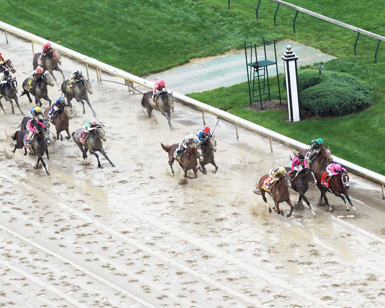 COUNTRY-HOUSE---The-Kentucky-Derby---145th-Running---05-04-19---R12---CD---Aerial-Finish-02