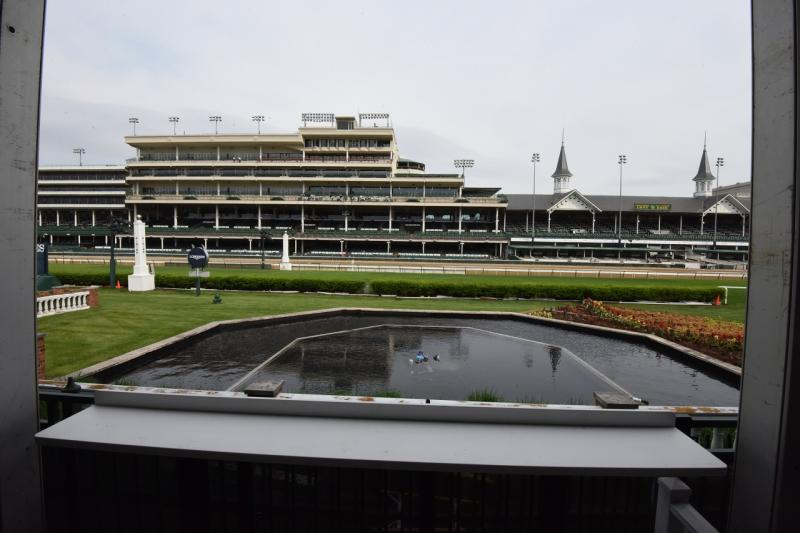Turf_Suite_view_finishline