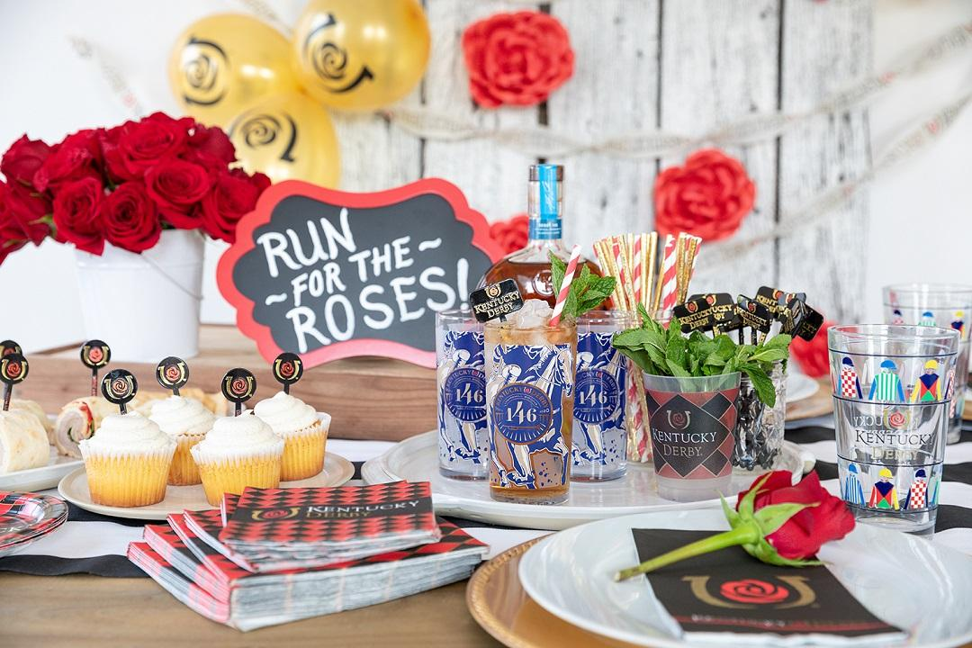 Run_For_the_Roses_Tablespread