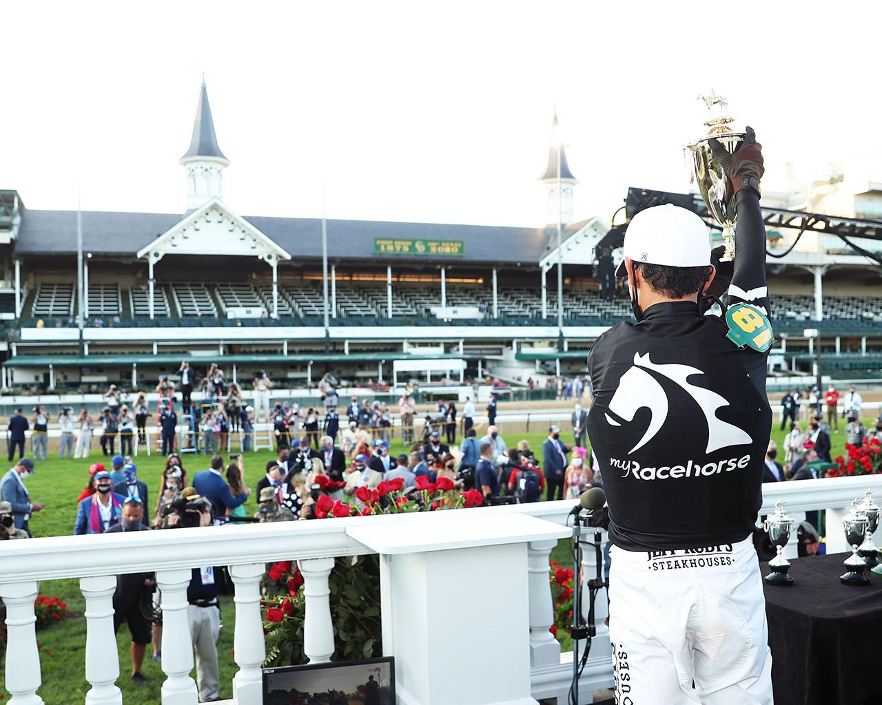 AUTHENTIC---The-Kentucky-Derby---146th-Running---09-05-20---R14---CD---John-Velazquez-Trophy-01