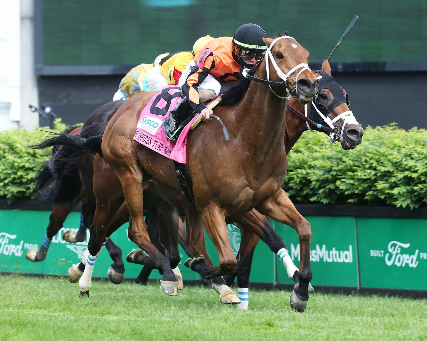 FAST-BOAT---The-Twin-Spires-Turf-Sprint-G2---04-30-21---R10---CD---Finish-02