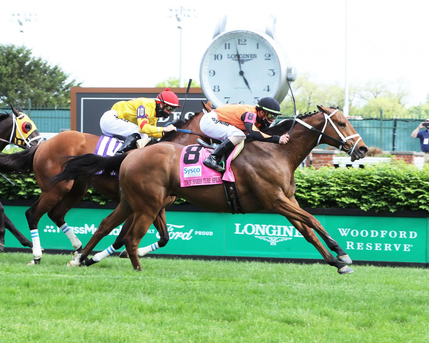 FAST-BOAT---The-Twin-Spires-Turf-Sprint-G2---04-30-21---R10---CD---Finish-01