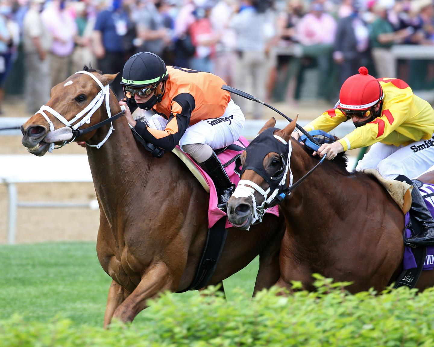FAST-BOAT---The-Twin-Spires-Turf-Sprint-G2---04-30-21---R10---CD---Inside-Finish-01