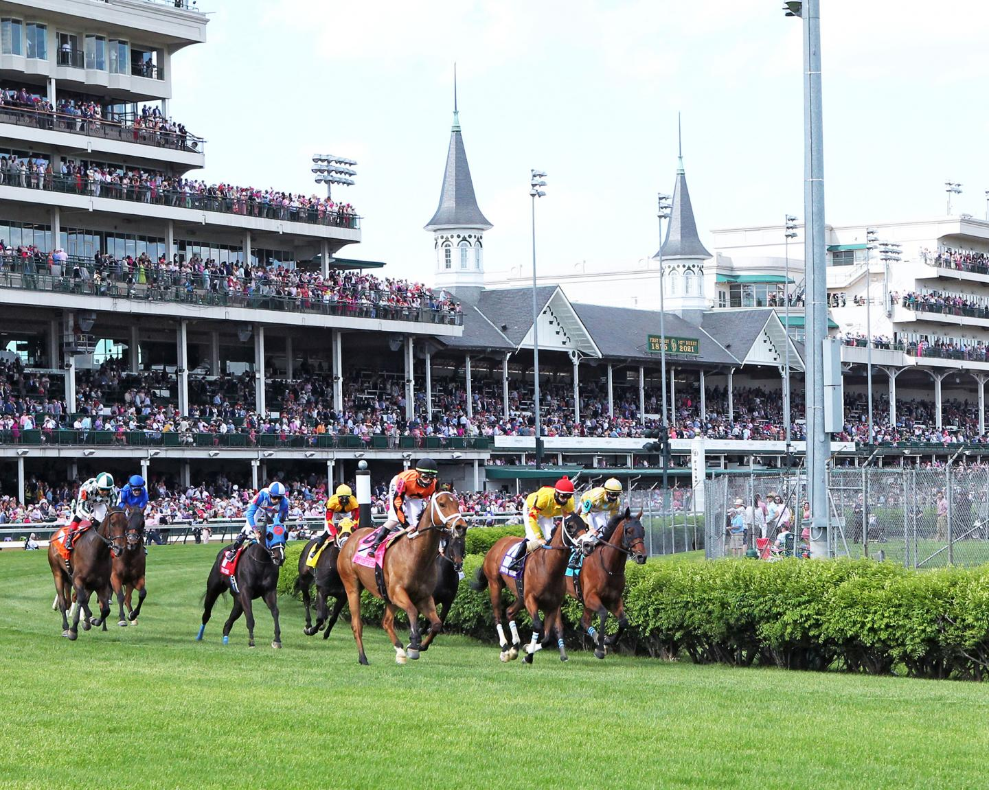 FAST-BOAT---The-Twin-Spires-Turf-Sprint-G2---04-30-21---R10---CD---Sweeping-Turn-001
