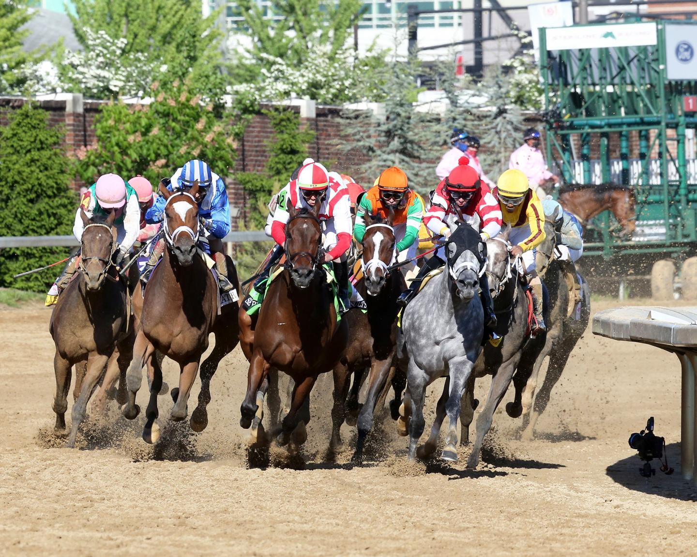 MALATHAAT---The-Kentucky-Oaks-G1---147th-Running---04-30-21---R11---CD---Turn-01