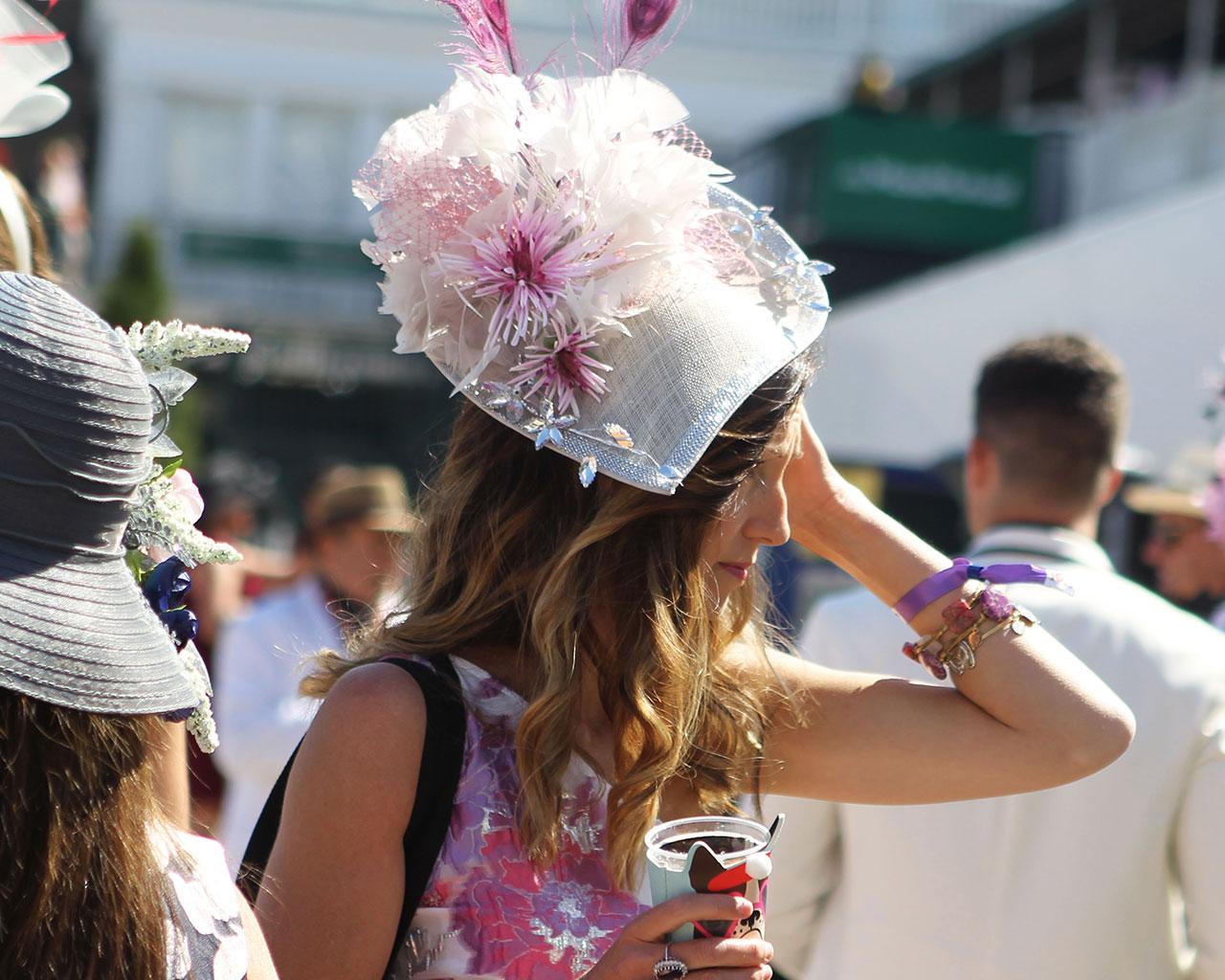 Scenics----Derby-Day---Fashion-Hat---CD---050121---003