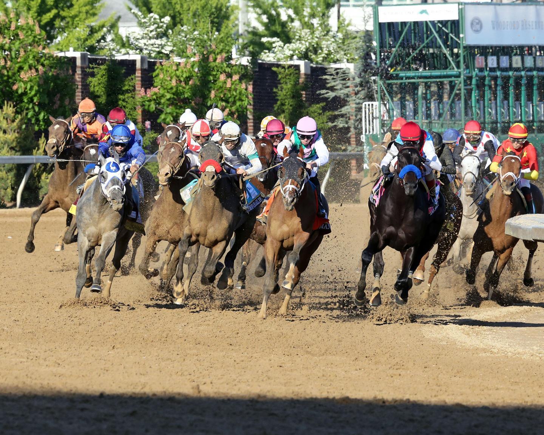 MEDINA-SPIRIT---The-Kentucky-Derby-G1---147th-Running---05-01-21---R12---CD---Turn-01