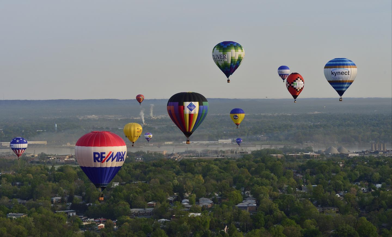 Kentucky Derby Festival Great Balloon Race 2015