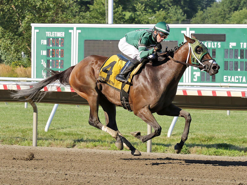 Hopeful Growth wins the Monmouth Oaks (Ryan Denver/Equi-Photo)