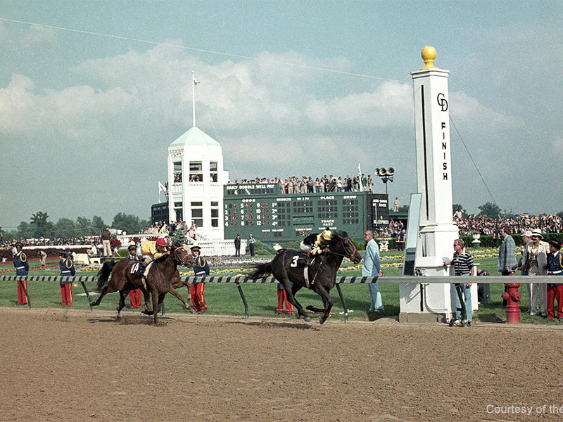 Seattle Slew wins the 1977 Kentucky Derby