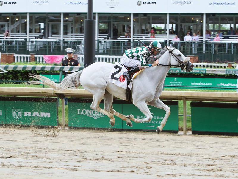 Awestruck wins an allowance at Churchill Downs on Kentucky Oaks Day 2019