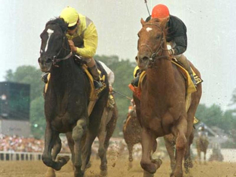 Sunday Silence and Easy Goer battle to the wire in the 1989 Preakness